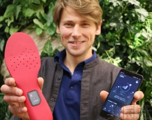 NEC与创新企业开发出改善走路姿势的鞋垫