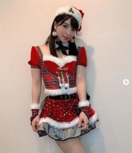 上原亚衣化身圣诞天使!美胸「系上蝴蝶结」粉丝嗨:超适合