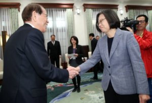 蔡总统接见日本台湾交流协会长大桥光夫(图)