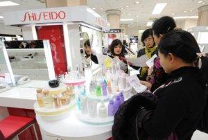 日本美妆产品在大陆人气高涨威胁南韩龙头地位