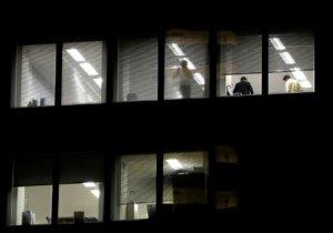 日本职场的伦理崩坏?一封匿名信后主管开始怕小职员…