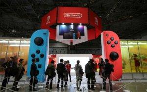 任天堂Switch持续狂卖家机掌机合一&人气游戏是关键