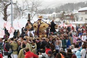 60颗灯饰、300座雪灯笼!日本「8个冬季活动」宛若童话
