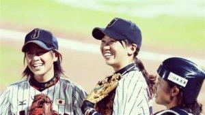 影/给日本女孩梦想西武女子棒球队正式营运