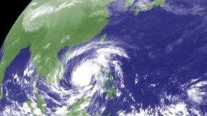 日本团队认为全球变暖将使台风速度变慢