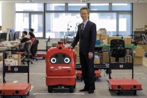 过年去东京搭自驾计程车!日本最大机器人新创公司ZMP的创意实验