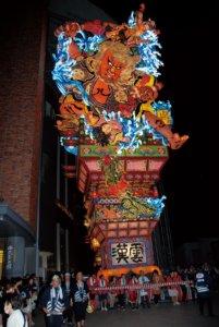 日本东北祭典名物巨型「立睡魔」前进天母大叶高岛屋