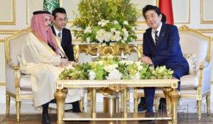 详讯:安倍与沙特外长会谈 开启中东访问行程
