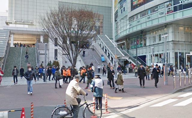 新宿東南口
