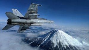 罕见奇景/美国大黄蜂战机飞越富士山雪封山顶