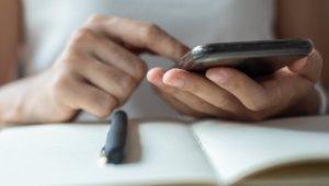 武汉病毒》没替手机消毒,手等于白洗!病毒可在手机上存活24小时…专家揭3大清洁重点