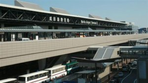 手一滑摔破「新冠病毒试管」造成污染成田机场检疫所急关