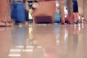 日本国内外旅行业务额减69% 业界求援