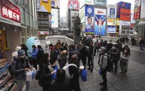 日本专家称轻症患者无意中扩散疫情 呼吁年轻人注意