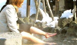 「定山源泉公园」,足汤和温泉蛋的新奇体验