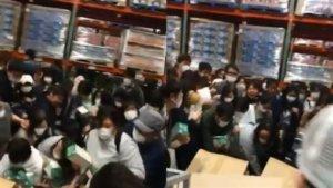 日本好市多「整盒搬」疯抢超市推1元加购口罩竟滞销…