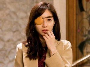 田中美奈实饰演《M 为了心爱的人》中秘书一角 怪异表演引热议