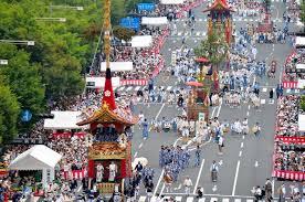 不敌疫情日本祇园祭取消山鉾巡行