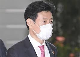 日本高官接受病毒检查遭批主因民众难受检