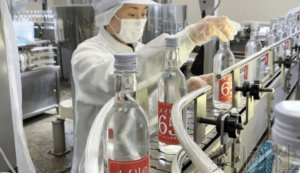 话题:日本酿酒企业推出高浓度酒替代消毒液 订单火爆