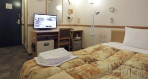日本政府考虑把在家疗养患者转入住宿设施
