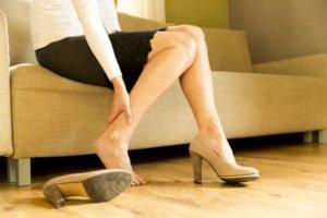 不再忍痛日本女性抵制上班穿高跟鞋规定