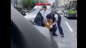 日本也传警察暴力盘查外国人!涩谷民众上街抗议