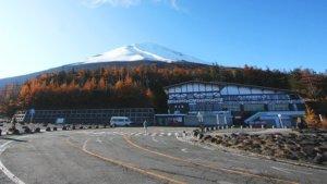 日本富士山5合目观光解禁付费道路恢复通行