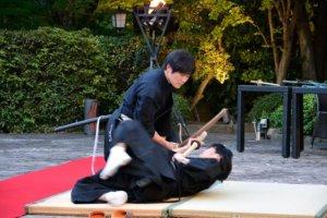 【平成武士】日本剑士创多项斩席世界纪录为何会以榻榻米作试斩