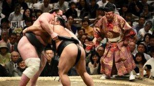 日本相扑协会防疫检查约900人5人验出抗体