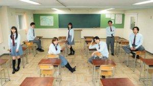 本田翼、新田真剑佑和乃木坂46的斋藤飞鸟等身穿高中制服的剧照解