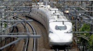 新干线N700S列车投入运行 性能提升实现舒适空间