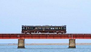 搭「丹后铁道」看海去:经典「黑松号」,顺游「舞鹤」