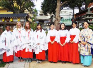 巫女体験で貴女もさらに日本を知ることができる【連載:アキラの着目】
