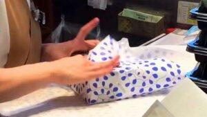日本古来から伝わる、ラッピングや風呂敷等の包装文化【連載:アキラの着目】