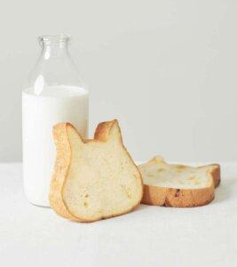 にゃんとも美味しい!北海道産小麦100%&牛乳&生クリーム使用のねこねこ食パン【連載:アキラの着目】